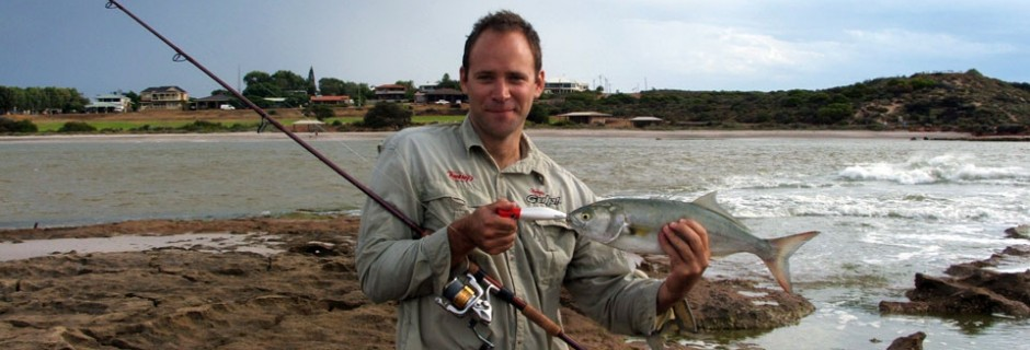 Hook a Murchison River tailor